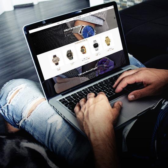 E Commerce <b>Creazione Shop online Personalizzati</b>